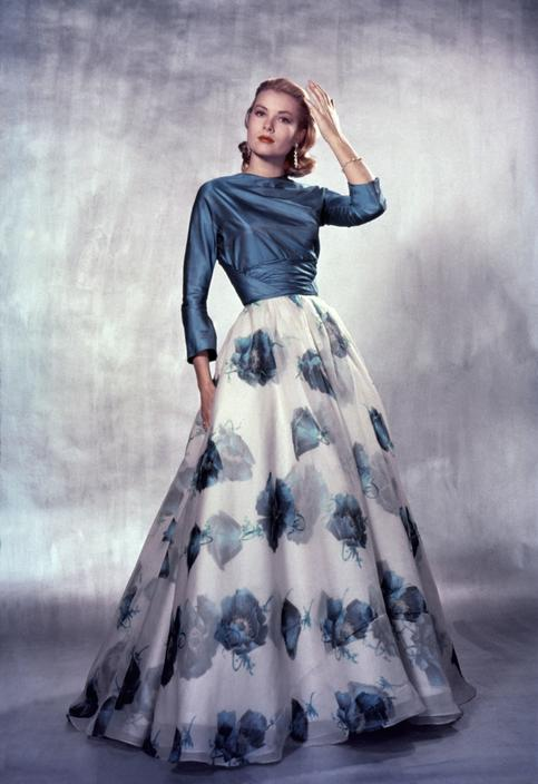 5edfb9fb6fb Grace Kelly posing for Life magazine
